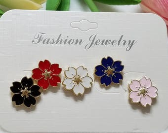 Flower pin set of 5. Enamel pins. Gifts. Flowers