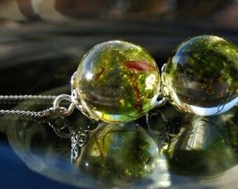 Terrarium earrings, florarium earrings, aquarium earrings, earrings with moss, moss in resin