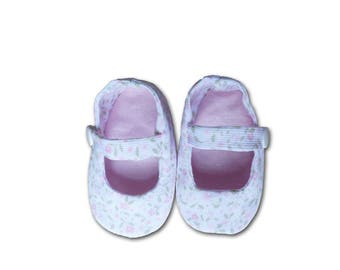 Baby girl or boy slippers / Sandals pattern pink flowers / Sandals 3 months birthday gift