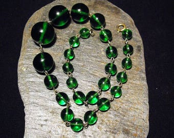 Vintage Art Deco Large Green Glass Beaded Necklace with Wire Links