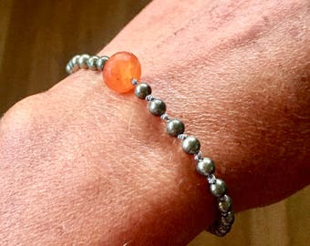 Pyrite and carnelian knotted bracelet