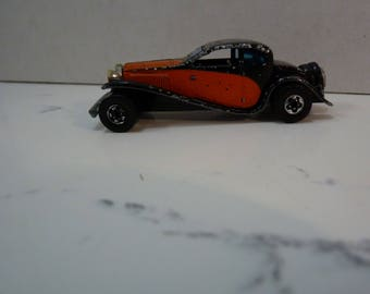 """c1980 Hot Wheels '37 Bugatti, Vintage Condition.  Believed '81 product, Shabby Chic, Wheels good, Bonus """"mystery"""" vtge Hot Wheels included"""