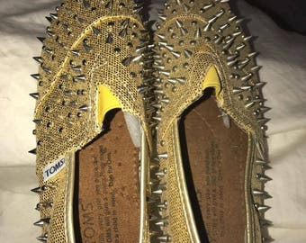 Gold sparkly spiky limited edition toms