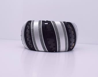 Chunky black and white bangle