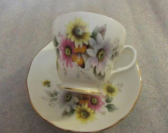 DUCHESS.ENGLAND  teacup and saucer