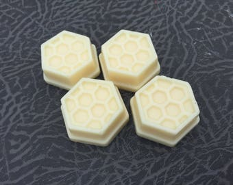 Honey scented soy wax melt