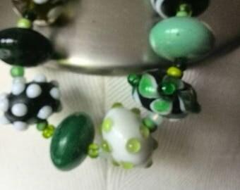 handblown green glass bead braclet
