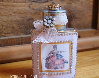 Shabby chic pink Queen pink bottle