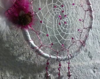 Dreamcatcher (pink and white) perfect for girls room.