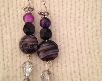 Boucles d'oreilles violet et noirs