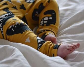 Organic cotton leggings mustard dinosaurs // baby leggings //toddler leggings // baby gift // baby shower