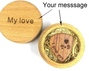 Personalized Custom Engraved Wood Guitar Pick / Wooden Plectrum Musician Crstimas Gift Wooden Box