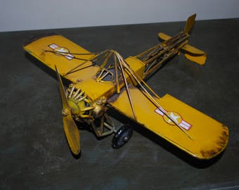 Vintage model airplain-metal handmade collectible/great condition