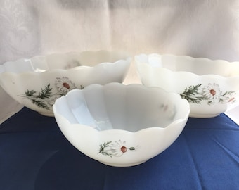 Set of vintage Arcopal France daisy bowls (not perfect condition)