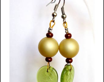 These earrings were green leaves
