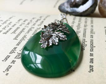 Green Leaf Necklace, Green Agate Necklace, Agate Jewelry, Silver Leaf Pendant Necklace, Handmade Necklace, Green Necklace, Nature Jewelry