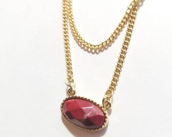Dainty pendant necklace -  Multistrand gold chain - Jewelry - Accessory - Genuine gemstone - Simple design - Red oval stone