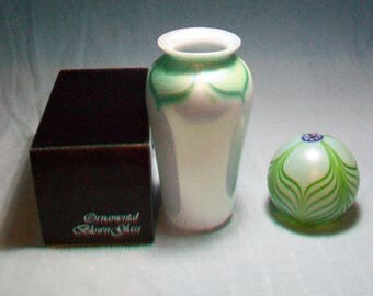 Green Pulled Feather Vase And Paperweight OBG