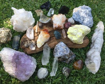 Crystal E-Reading~ Psychic~ Intuitive~ Magic~ Guidance and Advice From 1 Crystal of Your Choice