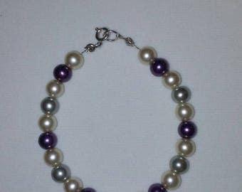 ON SALE! Multi colored pearl bracelet.