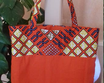 Tote bag is lined. Unique piece. Orixas collection.