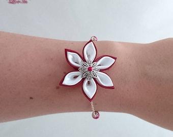 Burgundy and white kanzashi flower chain bracelet.