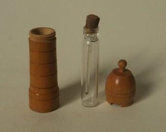 ancien flacon à parfum testeur coffret en bois, vecchia scatola di legno del tester della bottiglia di profumo, old perfume bottle tester