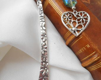 Silver heart bookmark page metal bookmark, book page marker, accessory, book reading, library, Pearl blue reflection