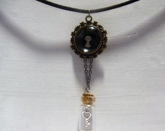 Cameo necklace and key and lock vial