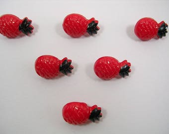 LOT 6 buttons: pineapple 18mm Red
