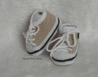 style basketball wool baby booties 0/3 months handknit camel white