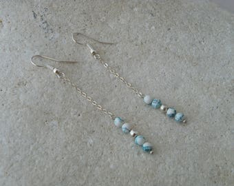Chain and turquoise beads earrings