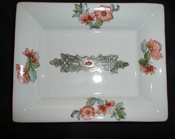 Rectangular tray hand painted porcelain: Celtic motif and Indian flowers