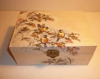 """Little chickadees"" romantic trinkets or jewelry box"