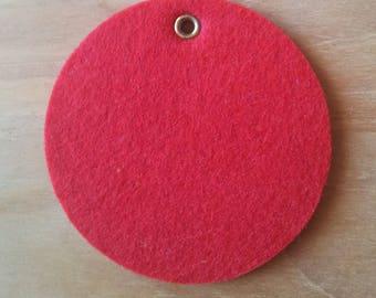Round red felt T24