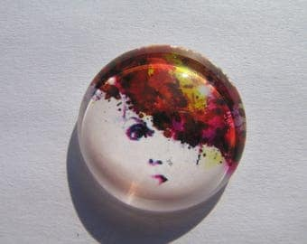 Cabochon 25 mm round domed with woman face image