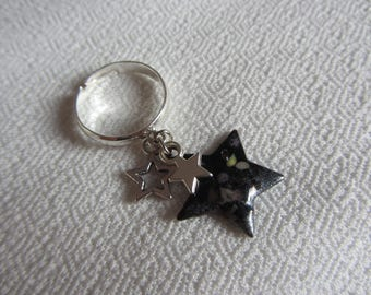 Fiancé ring with silver metal star charms and silver and black enameled copper