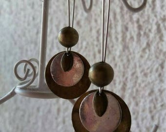 Pretty pair of dangle earrings