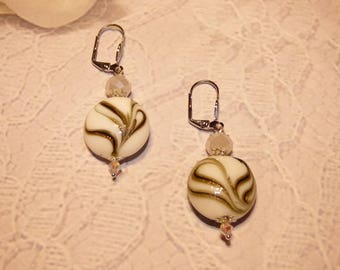 WHITE GLASS EARRINGS BLACK AND GOLD