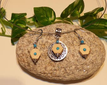 """Very beautiful finery """"Tara"""" Stud Earrings, and octagonal wooden pendant necklace"""