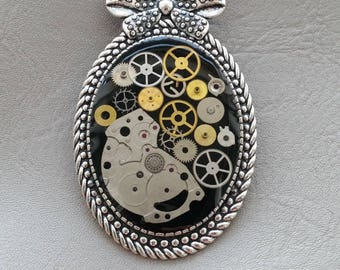 Oval large Format retro resin and gears Steampunk brooch