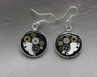 Round earrings 2 cm in resin and gears Steampunk