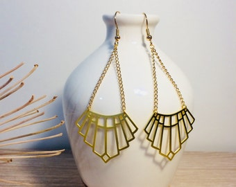 Graphic gold earrings