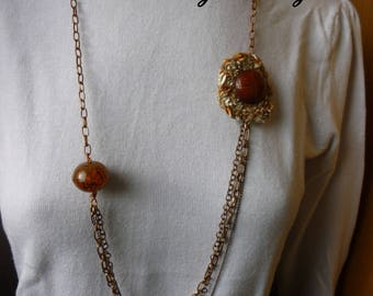 Fantasy necklace brown copper amber chain Pearl resin, jeans and t-shirt