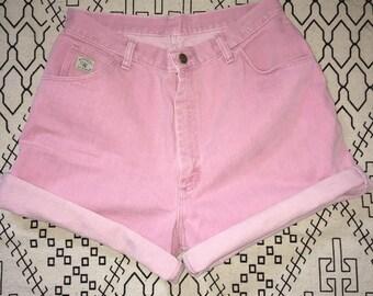 Baby pink Wrangler highwaisted shorts