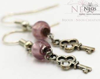 The small key and pink pearls earrings