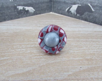 """Merlot"" varnished round button ring"