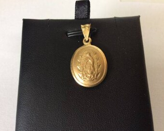 14k Yellow real gold oval MEDALLION pendant VIRGIN MARY Lady Guadalupe 2.2g