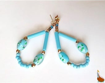 """Oval hoop earrings beads """"Courtesan"""" Turquoise flowers and gold"""