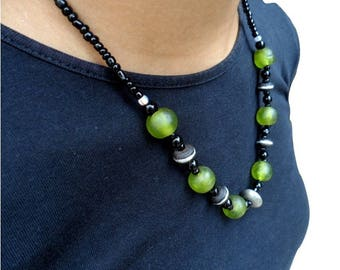 African necklace - translucent glass beads - nec18